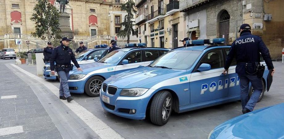 Caltanissetta, intensificati i controlli della polizia in centro. Intanto continuano le indagini sulla sparatoria