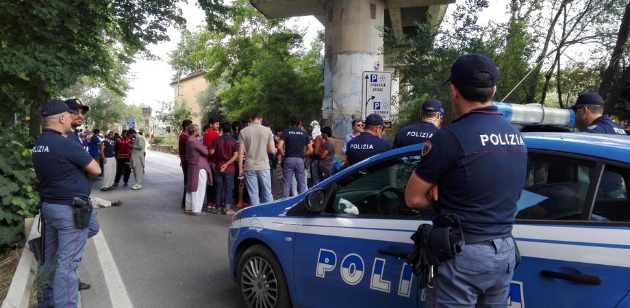 Caltanissetta, protesta di alcune donne somale davanti il Cara: Sp5 bloccata per due ore
