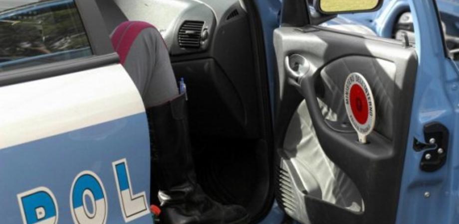 """Caltanissetta, operazione """"Cars"""" della Polstrada: controlli ad autoscuole e officine"""