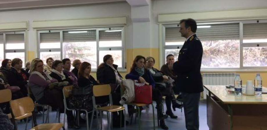 """Devianza minorile: ciclo di incontri della polizia all'istituto """"Puglisi"""" di Serradifalco"""