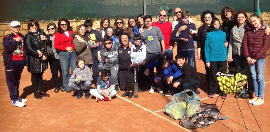 """Caltanissetta, riparte il progetto """"Tennis anch'io"""" rivolto ai bimbi diversamente abili"""