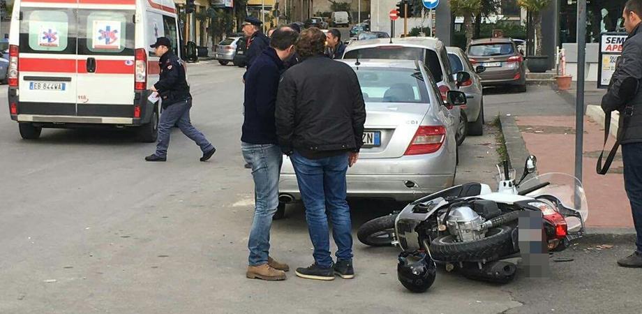 Caltanissetta, grave incidente in via Catania: giovane trasportato in ospedale in codice rosso