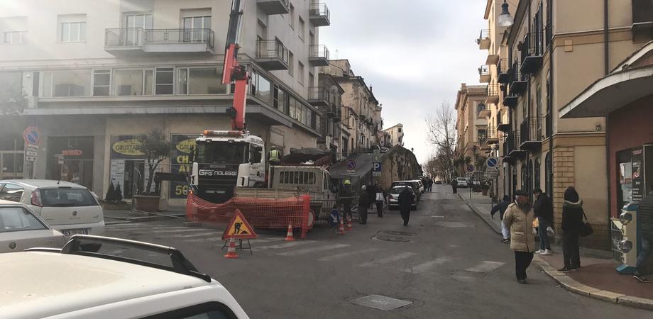 Caltanissetta, lavori in via XX settembre: traffico in tilt. Aiello: la giunta si organizzi per tempo