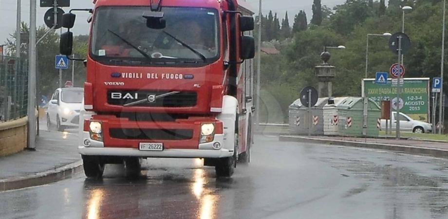 Caltanissetta, maltempo: auto impantanate a Niscima e sulla Sp5 liberate dai vigili del fuoco