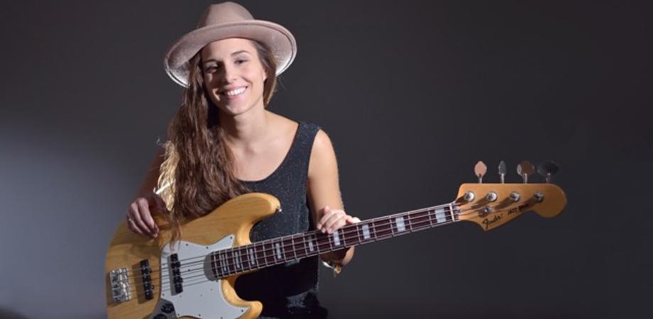 """Caltanissetta, al """"Michele Abbate"""" concerto della bassista polacca Kinga Glyk"""