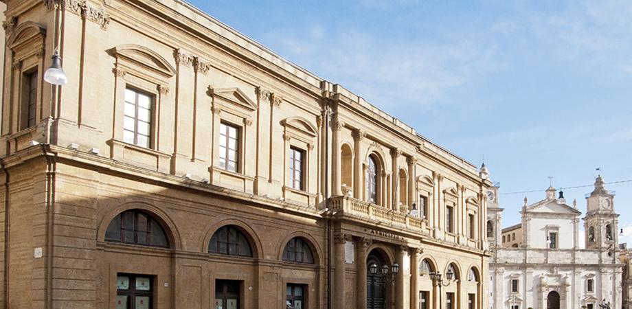 Caltanissetta, affidato alla Real Maestranza e ai ragazzi dell'Ipm il restauro della sala gialla