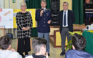 https://www.seguonews.it/caltanissetta-lapporto-della-polizia-scientifica-nelle-indagini-incontro-gli-alunni-della-verga