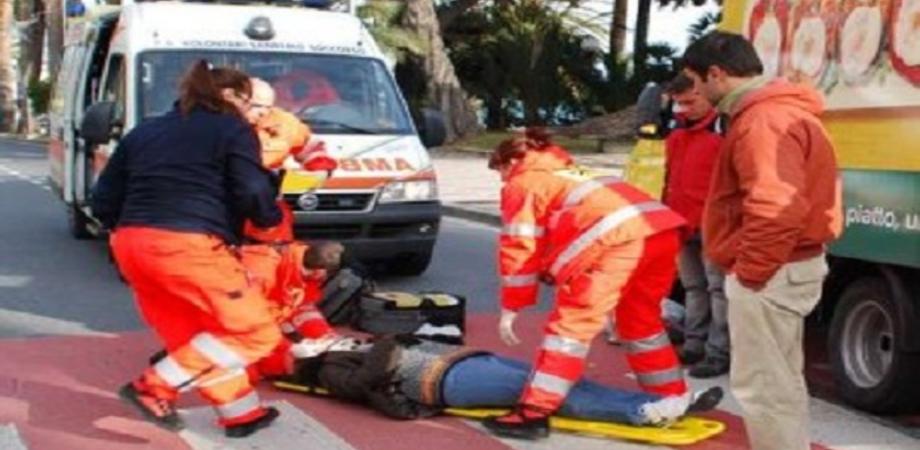 Caltanissetta, anziana investita da un furgone: ricoverata in gravissime condizioni