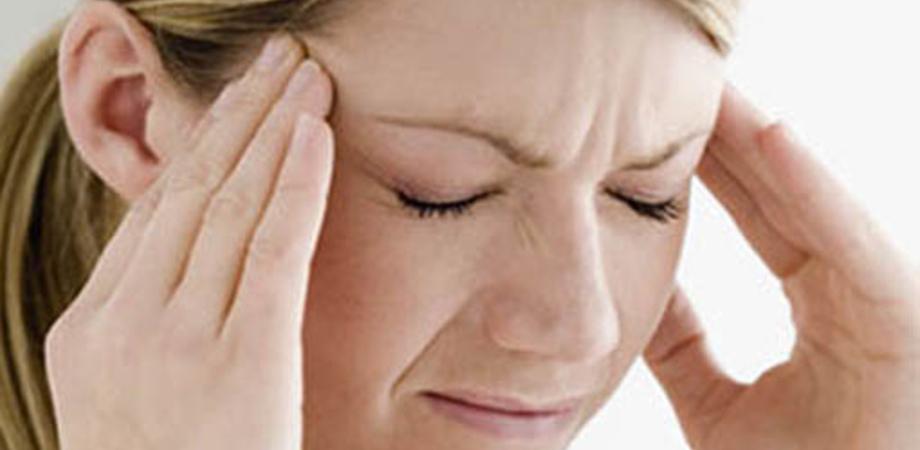 Testato il nuovo cerotto elettronico contro l'emicrania: si applica sul braccio e riduce il dolore