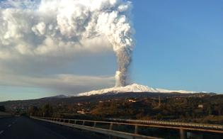 http://www.seguonews.it/ancora-esplosioni-sulletna-atto-fase-stromboliana-limitati-atterraggi-catania