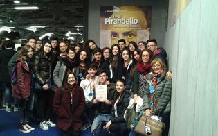 https://www.seguonews.it/caltanissetta-menzione-donore-per-gli-alunni-del-liceo-volta-ai-colloqui-fiorentini