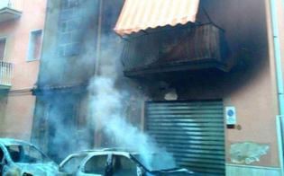 http://www.seguonews.it/gela-inferno-fuoco-via-amburgo-piromani-incendiano-3-auto-lambito-uno-stabile