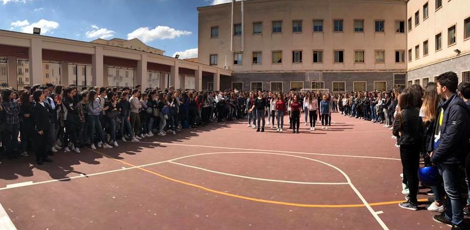 """Caltanissetta, al liceo """"Ruggero Settimo"""" ricordate le vittime della mafia"""