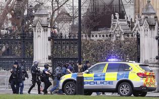 https://www.seguonews.it/parlamento-londra-attacco-decine-feriti-poliziotto-accoltellato