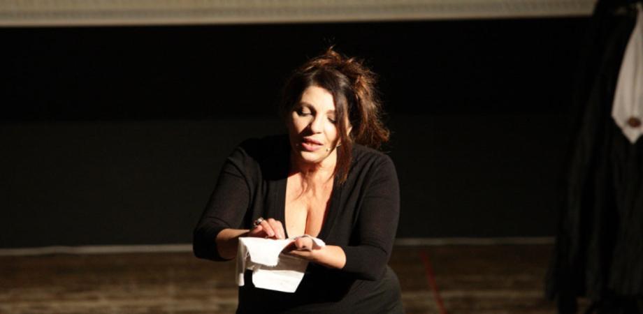 """Caltanissetta, gli studenti dell'istituto """"Luigi Russo"""" alla pièce teatrale """"La madre dei ragazzi"""""""