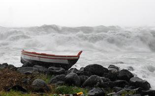 https://www.seguonews.it/maltempo-forte-vento-tutta-la-sicilia-chiusi-collegamenti-egadi-eolie