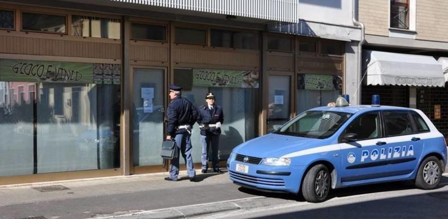 Caltanissetta, sale giochi e ristoranti nel mirino della polizia: scattano multe e sospensioni