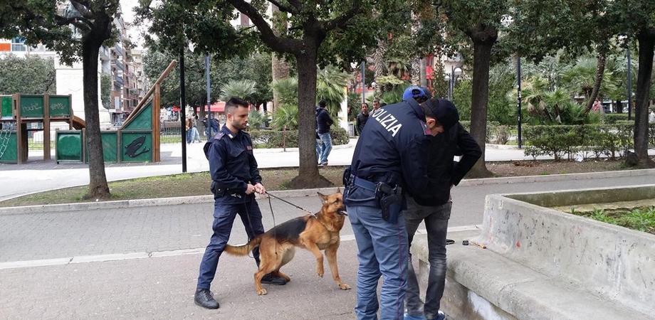 Caltanissetta, controlli straordinari della polizia in centro storico e alla villa Cordova