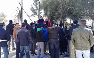 https://www.seguonews.it/caltanissetta-pian-del-lago-sgomberata-baraccopoli-richiedenti-asilo-protestano