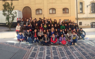 http://www.seguonews.it/caltanissetta-gli-alunni-della-rosso-san-secondo-teatro-rivivono-le-avventure-lupin