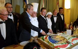 https://www.seguonews.it/caltanissetta-350-persone-festeggiano-capitano-della-real-maestranza-sabatino