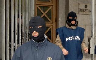 http://www.seguonews.it/sfuggi-alla-cattura-un-anno-mazzarinese-sorpreso-si-trovava-giro-arrestato