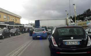 https://www.seguonews.it/caltanissetta-tir-bloccato-traffico-tilt-viale-luigi-monaco-2