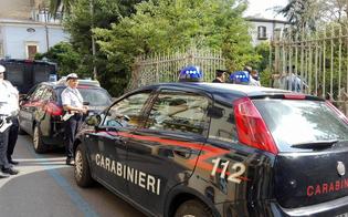 http://www.seguonews.it/caltanissetta-sorpreso-dai-carabinieri-cedeva-droga-un-nisseno-somalo-arrestato