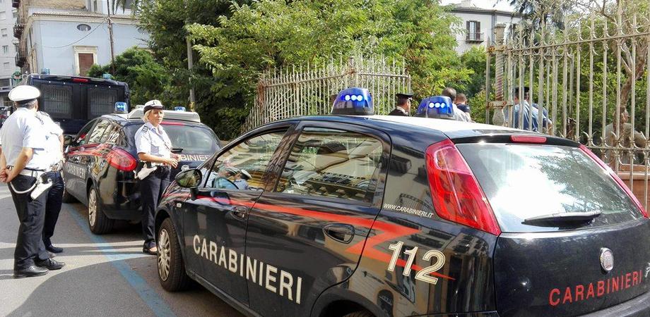 Caltanissetta, straniero sorpreso dai carabinieri mentre cedeva droga a un nisseno: arrestato