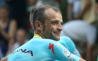 http://www.seguonews.it/tragedia-nel-ciclismo-morto-travolto-da-un-furgone-michele-scarponi