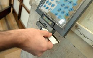 http://www.seguonews.it/furbetti-del-cartellino-la-regione-licenzia-cinque-dipendenti-furono-sorpresi-durante-lorario-di-lavoro-a-fare-la-spesa-o-a-prendere-il-caffe