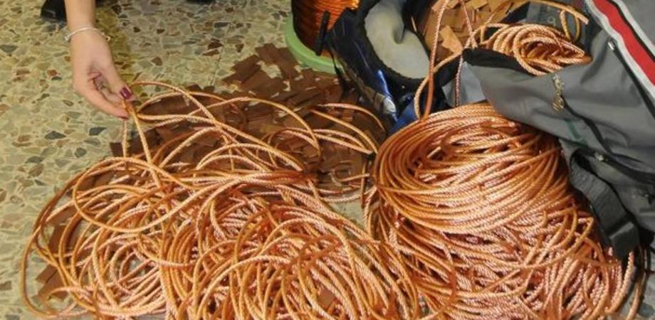 Furti di cavi elettrici: a Caltanissetta 23 famiglie sono ancora al buio