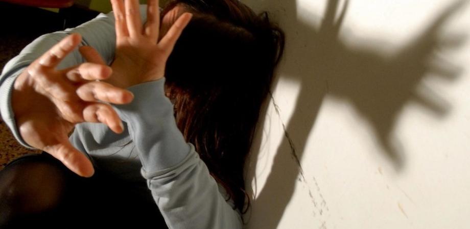Caltanissetta, botte e minacce di morte alla moglie: nisseno denunciato e allontanato da casa