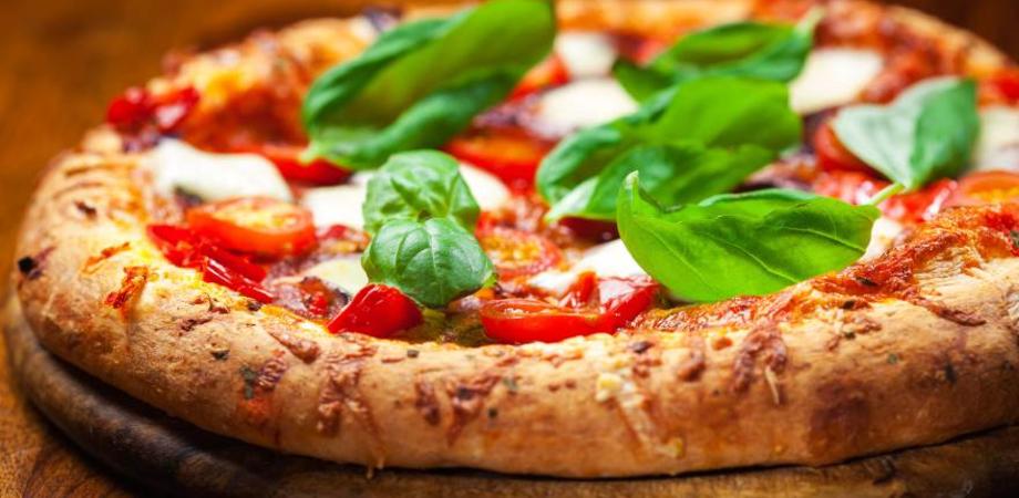 """Amministrative Caltanissetta, Gambino: """"Un giro di pizza a sostegno della campagna elettorale"""""""
