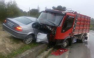 San Cataldo, terribile impatto tra auto e camion sulla Sp40