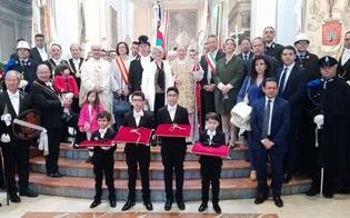 http://www.seguonews.it/caltanissetta-il-capitano-della-real-maestranza-restituisce-le-chiavi-della-citta