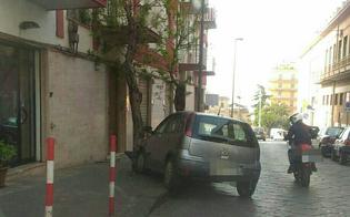 http://www.seguonews.it/caltanissetta-colto-da-malore-esce-di-strada-e-si-schianta-contro-un-albero