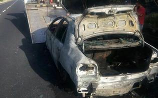 http://www.seguonews.it/automobile-va-a-fuoco-attimi-di-paura-sulla-caltanissetta-gela