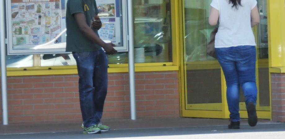 """Caltanissetta, Failla interroga: """"Immigrati davanti a ogni supermercato, e il sindaco cosa fa?"""""""