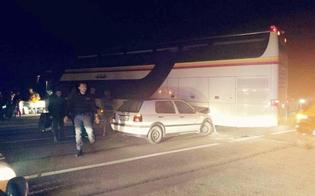 Incidente sulla Caltanissetta-Gela: auto si schianta su un pullman