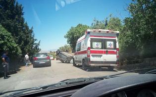 Caltanissetta, auto si ribalta sulla Ss122 bis: paura per il conducente