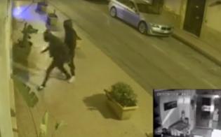 http://www.seguonews.it/caltanissetta-ladri-assaltano-un-bar-in-corso-umberto-il-video-