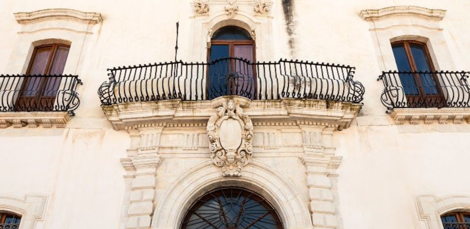 """Palazzo Moncada, il Polo Civico: """"Forse D'Antona teme di perdere il finanziamento annuale di 18mila euro?"""""""