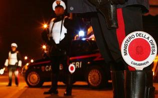 Tenta di investire posto di blocco con un'auto rubata ma viene colpito: 20enne finisce al Sant'Elia