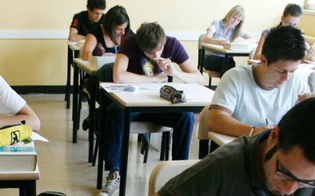 A Niscemi la scuola non finisce: 120 professori e 1200 studenti torneranno sui banchi a luglio