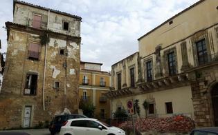http://www.seguonews.it/caltanissetta-janni-sulledificio-di-largo-barile-soldi-spesi-per-demolire-ma-non-per-valorizzare