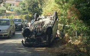 Caltanissetta, incidente sulla Sp1: auto si ribalta, ragazza finisce in ospedale