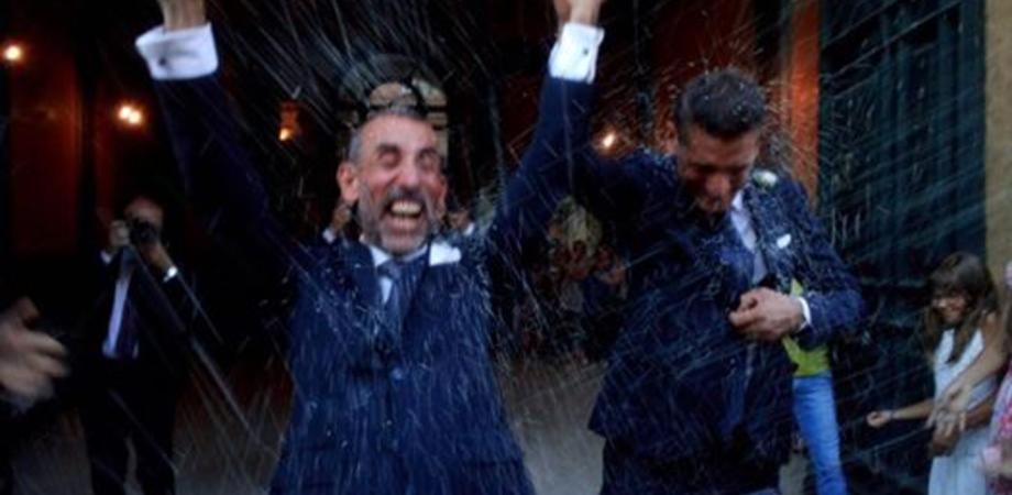 Primo matrimonio gay al Comune di Caltanissetta: Danilo e Giuseppe sposi