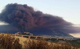 http://www.seguonews.it/rogo-in-un-deposito-di-rifiuti-allarme-diossina-ad-alcamo