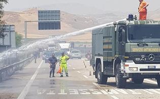 Incendio sulla A19 all'altezza dello svincolo per Caltanissetta: fiamme invadono la carreggiata